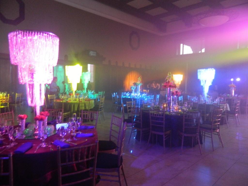 centros de mesa cristal neon guatemala salon ayarza cayala